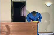 установка дверей в квартире